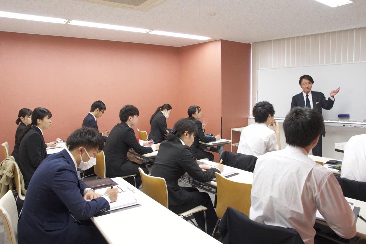 新卒社員から幹部まで豊富な研修を実施